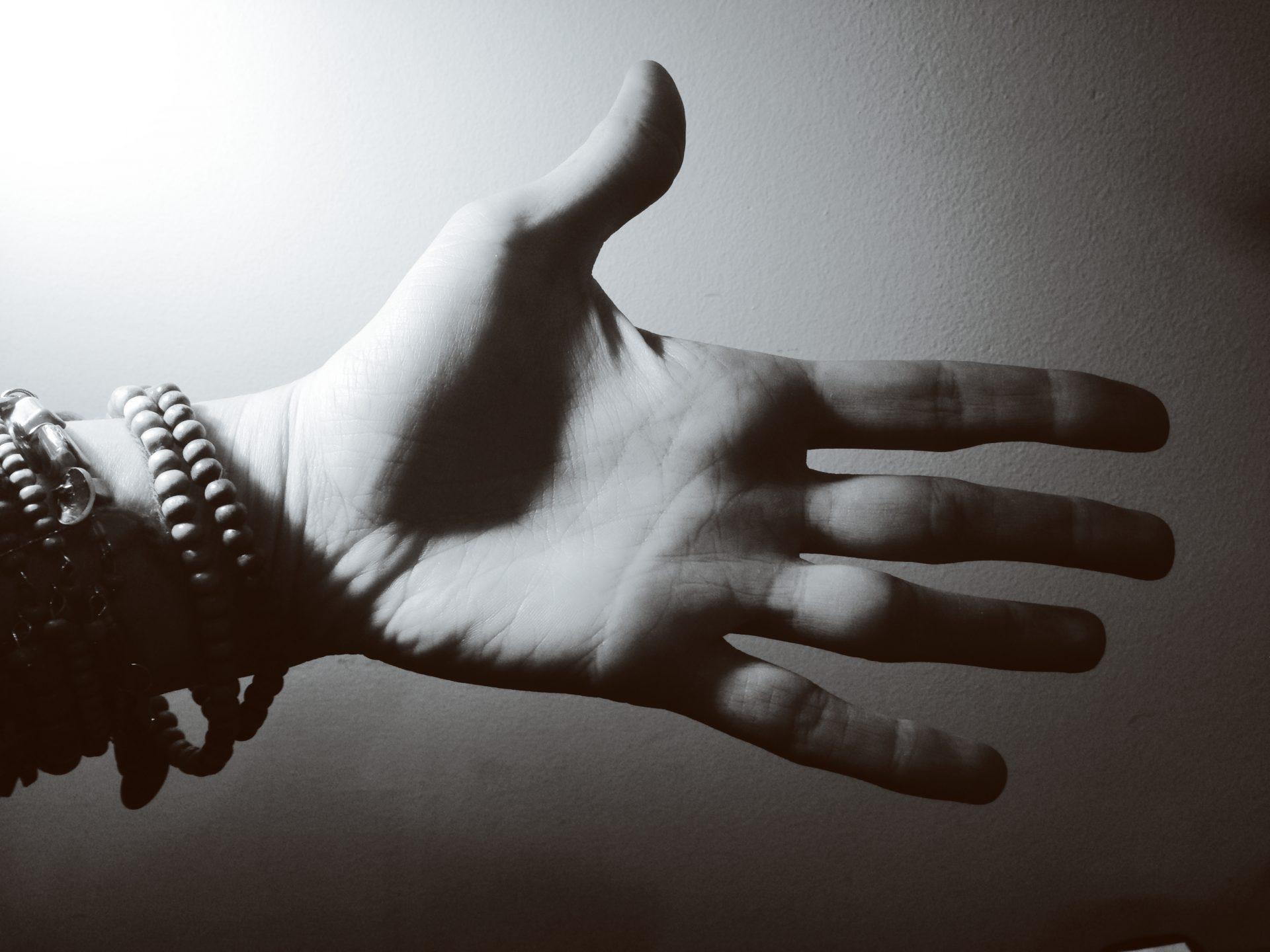 Openhanded, Openhearted - Monica Berg